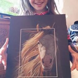 le grand sourire d'Alba pour le portrait de son poney, darshaan! merci à Lorjanie pour sa confiance renouvellée